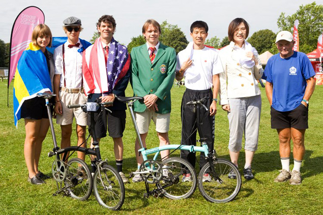 Wallace & his 2-speed with other World Champions at the Brompton World Championship